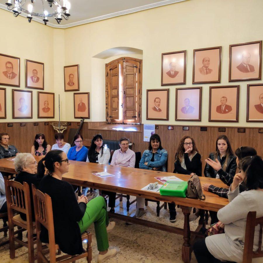 Jornada de visibilización y empoderamiento de  las mujeres en Madrigal de las Altas Torres (Ávila)