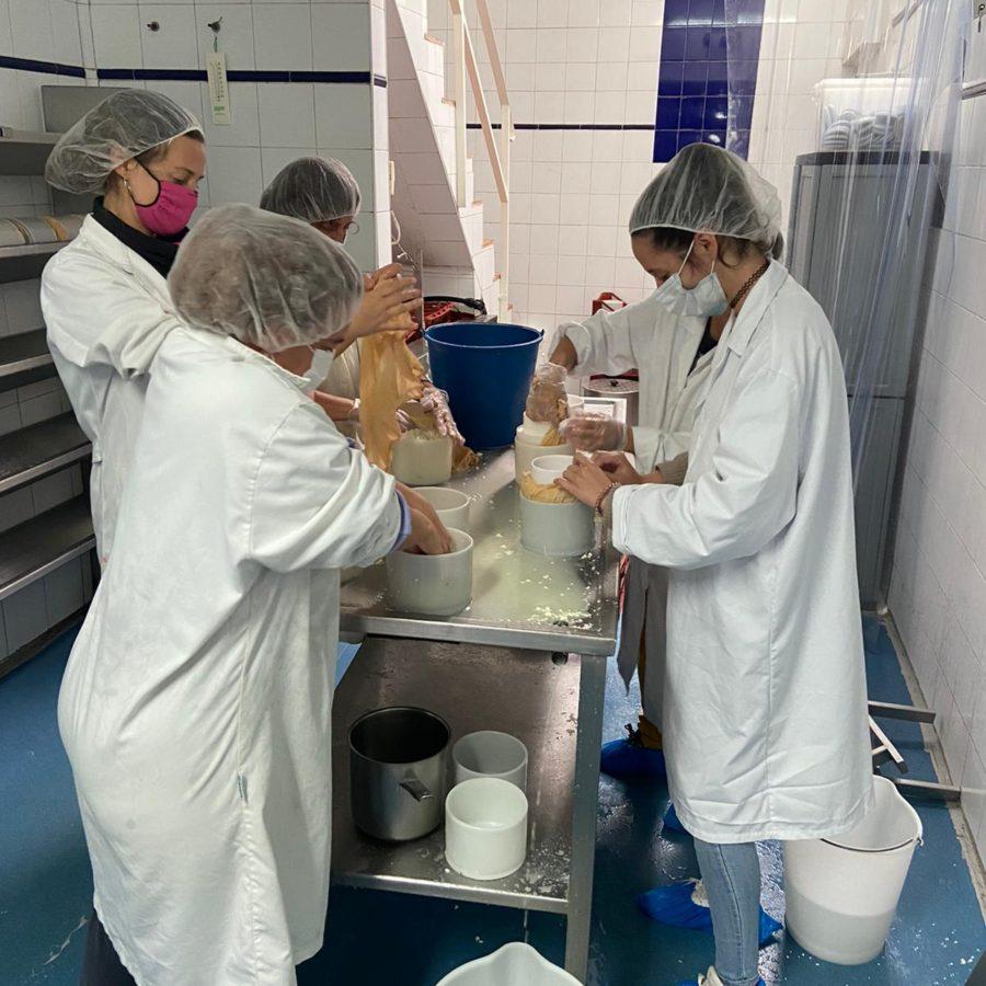 Ismur Segovia imparte un curso de Elaboración de quesos en Armuña